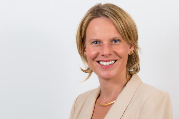 Dr Ines Wichert